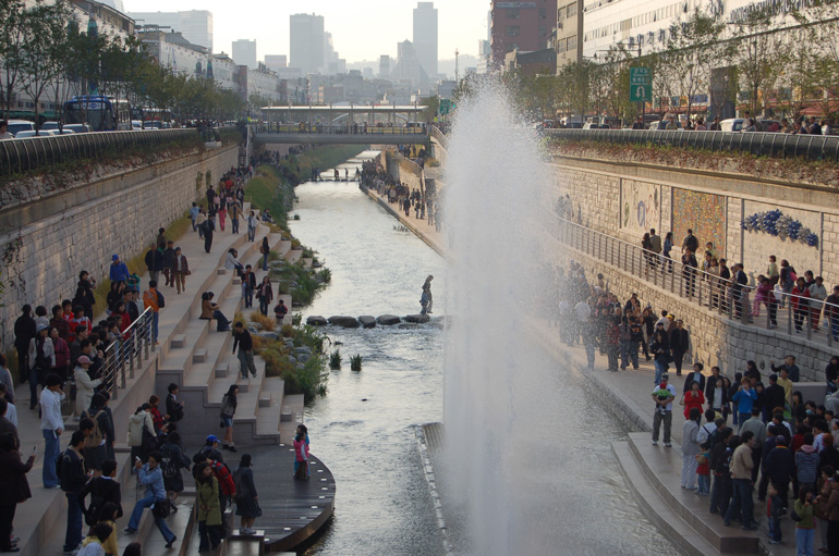 Cheonggyecheon-03