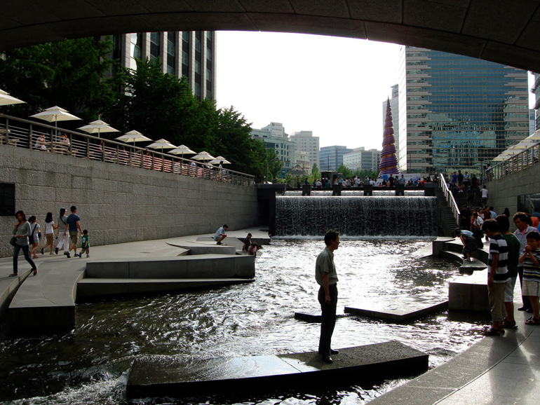 Cheonggyecheon-07