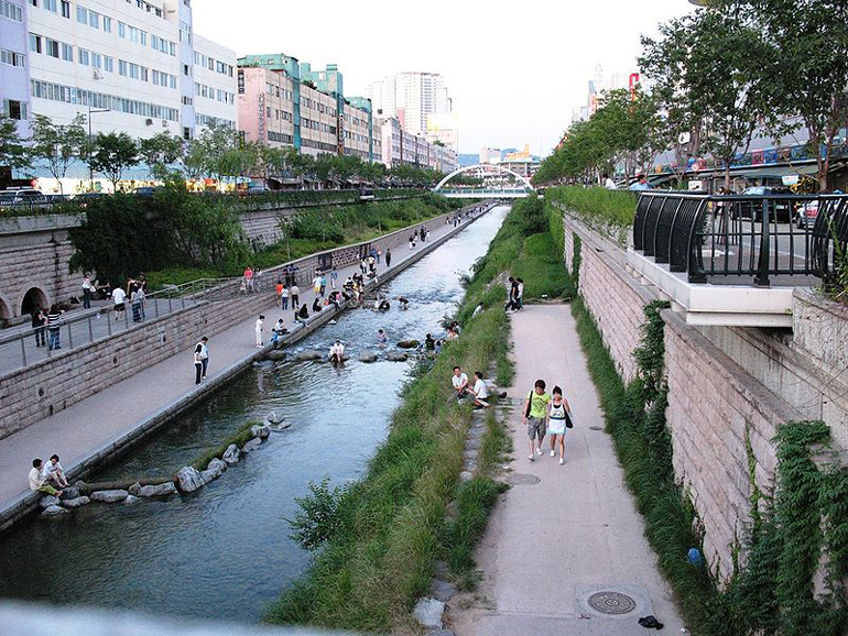 Cheonggyecheon-11