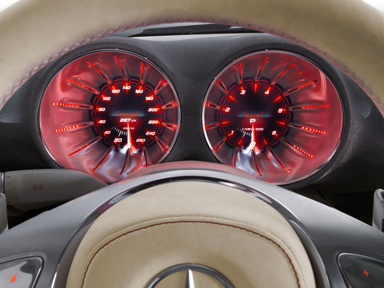 17_Mercedes-Benz-Concept-A-Class-Interior-04